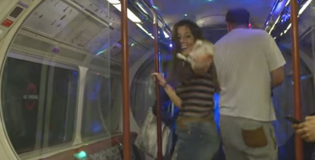 Музиканти влаштували рейв у вагоні лондонського метро