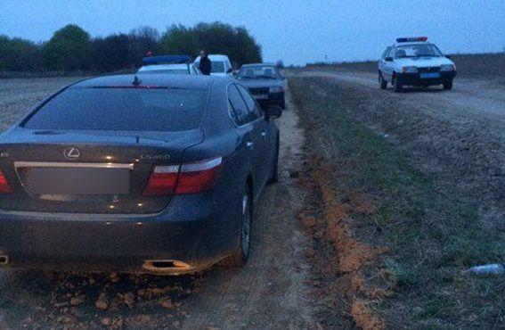 Львовский мусор сопровождал Lexus / rv.npu.gov.ua