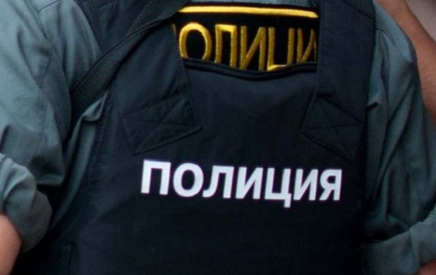 Різанина в Сургуті: в мережі показали ліквідованого чоловіка, що напав з ножем на перехожих (відео)