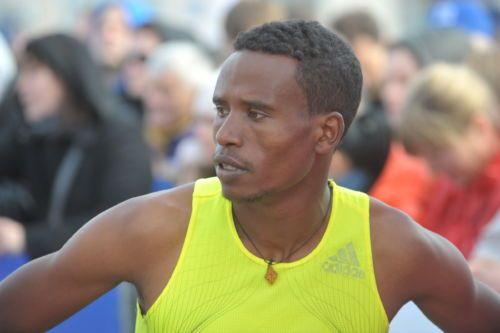 Победу в киевском полумарафоне одержал спортсмен из Эфиопии Анбеса Ленчо / kyivhalfmarathon.org