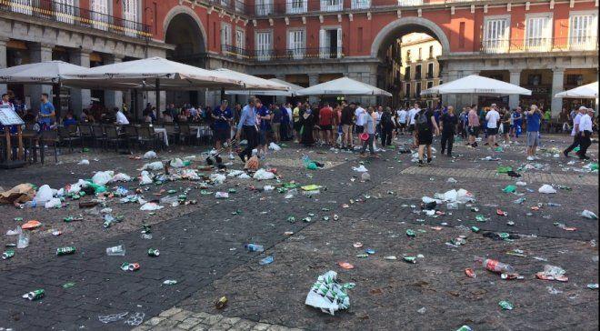 Английские фанаты устроили погромы в центре Мадрида в среду / football24.ua