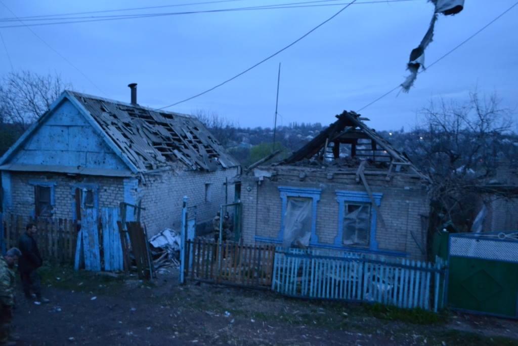 Боевики обстреливают жилые кварталы Авдеевки / фото facebook/ato.news