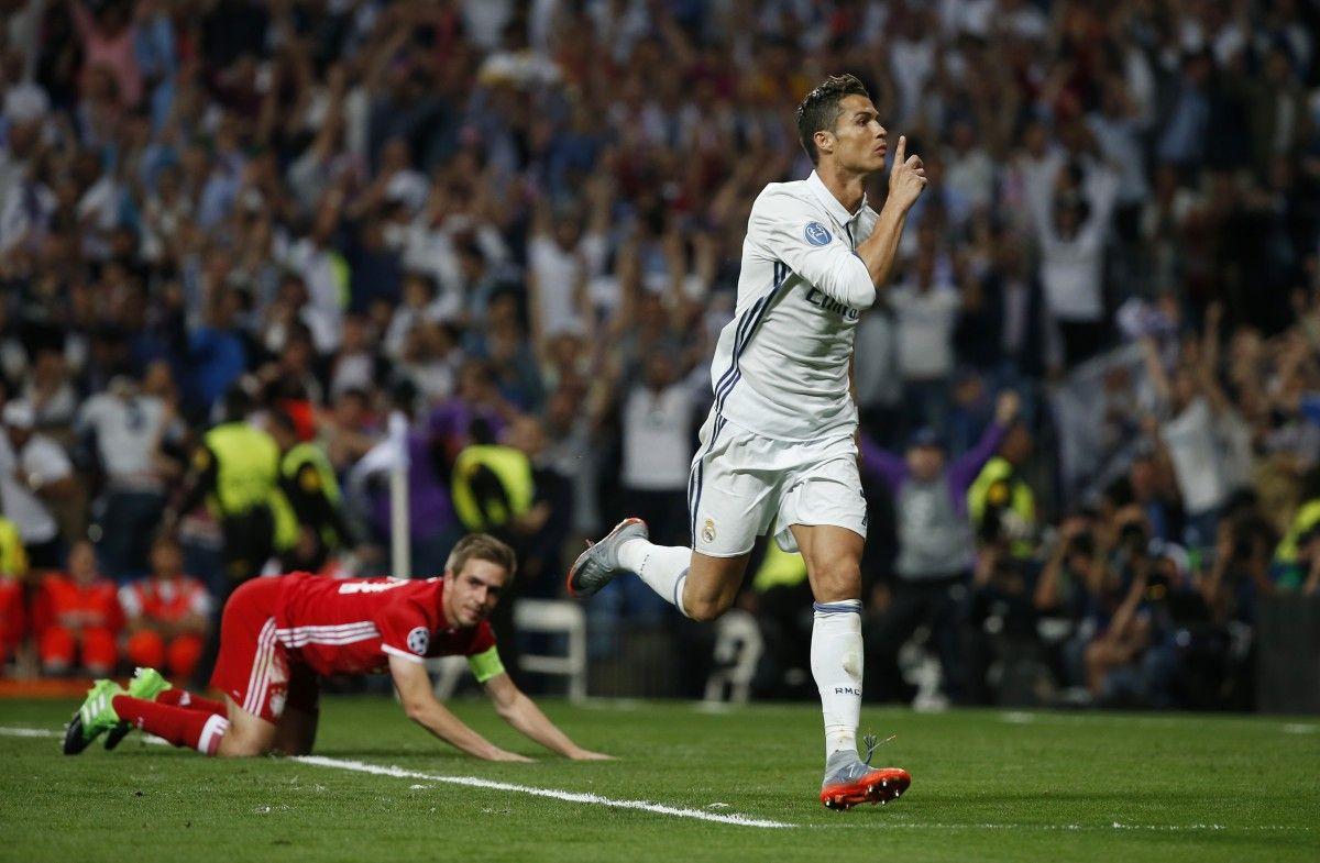 Криштиану Роналду забил три гола