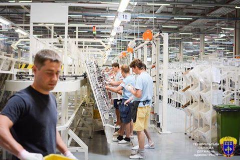 Барна також повідомив, що невдовзі на підприємстві очікується збільшення середньої заробітної плати / ternopil.te.ua