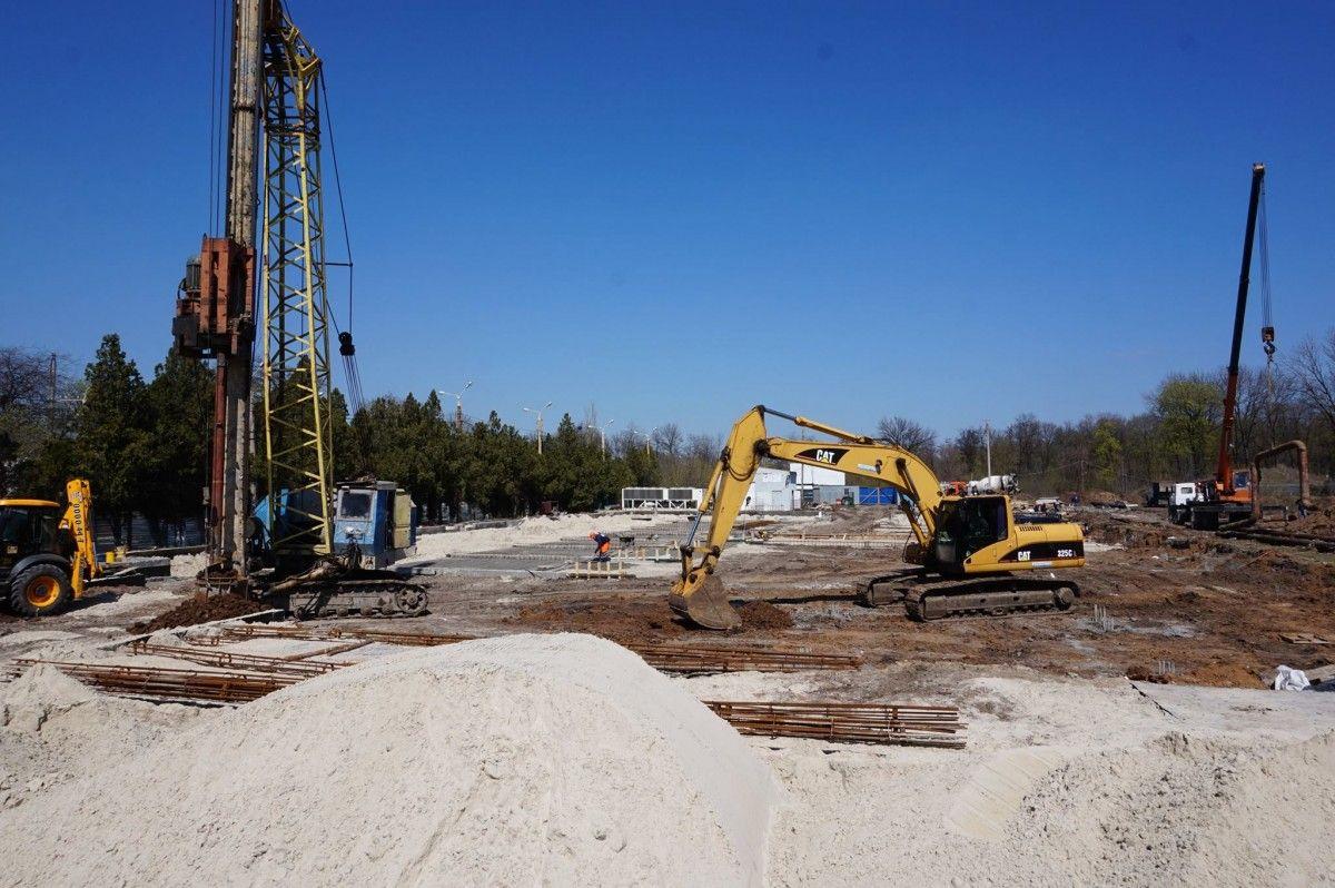 """""""Льодова арена"""" має бути готова до осені / Фото facebook.com/zhebrivskyi"""