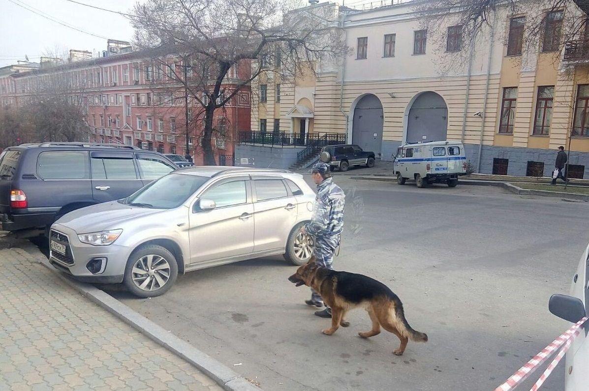 В ФСБ заявили, что установили личность нападавшего на приемную спецслужбы / dvnovosti.ru