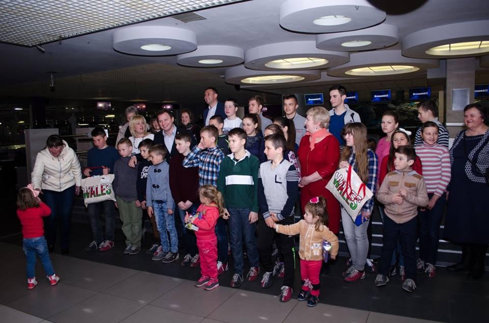 Дітям вручили подарунки від діаспори з Уельсу / ТОДА