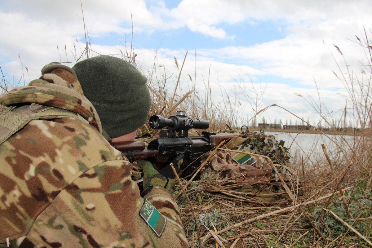 Українські прикордонники на адмінкордоні із окупованим Кримом провели антитерористичні навчання  Детальніше читайте на УНІАН