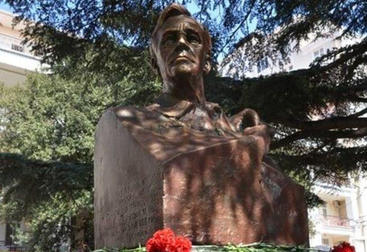 В окупованому Криму відкрили пам'ятник президенту США