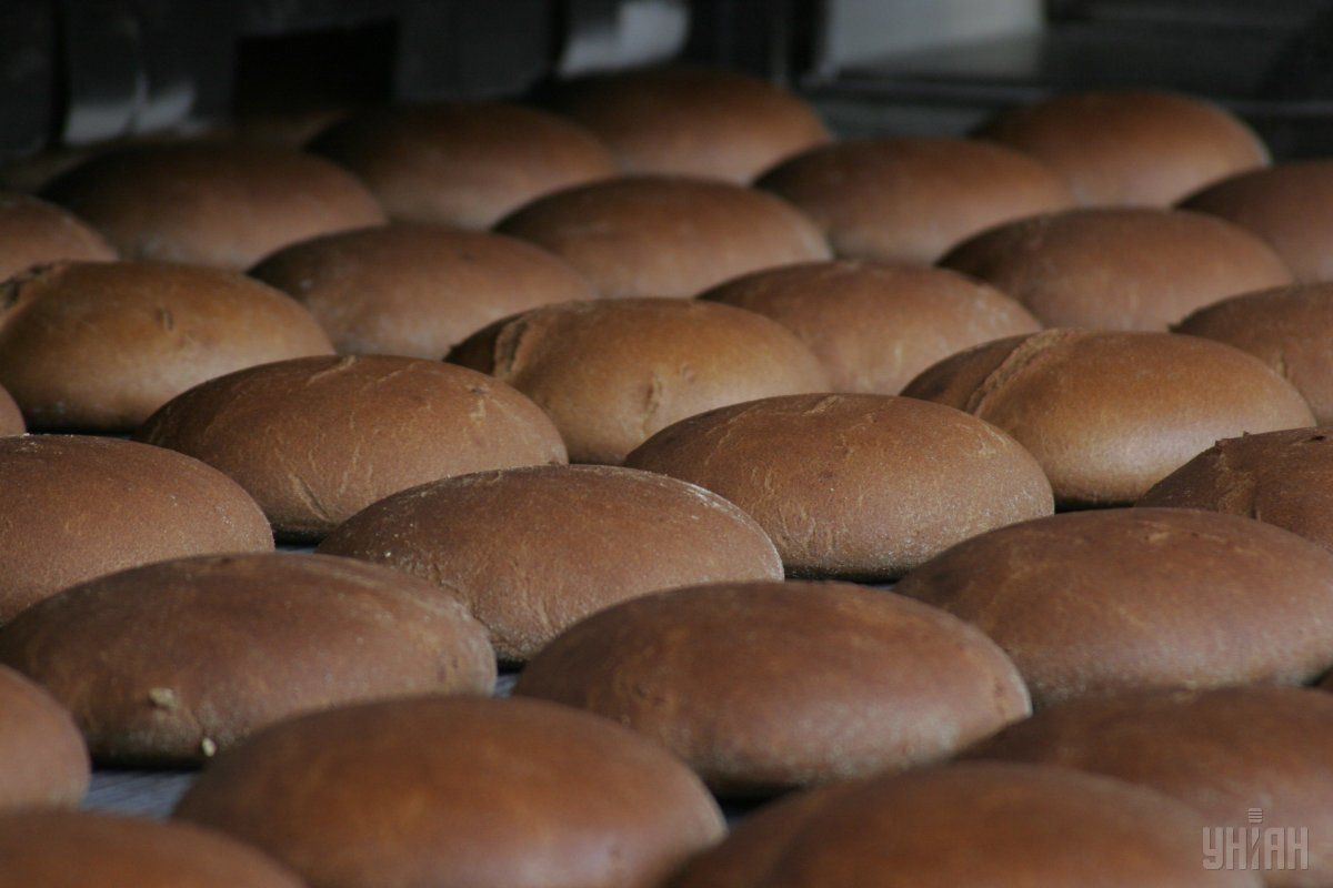 З огляду на низку причин хліб до кінця року подорожчає на півтори гривні / фото УНІАН