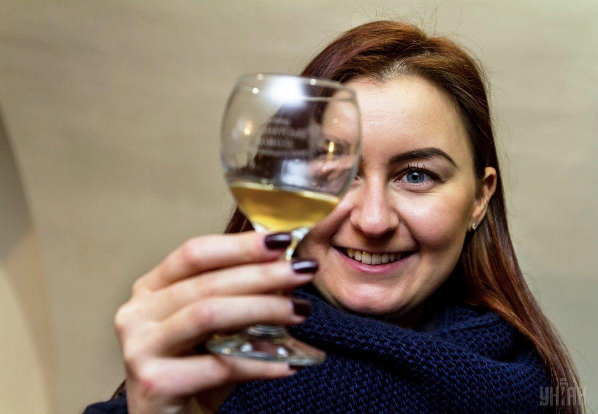 Ценителей местного вина становится больше и среди украинцев / фото УНИАН