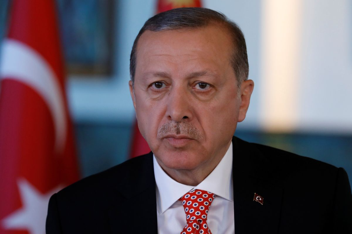 Меркель проинформировала о необходимости ужесточения мер вотношении Анкары