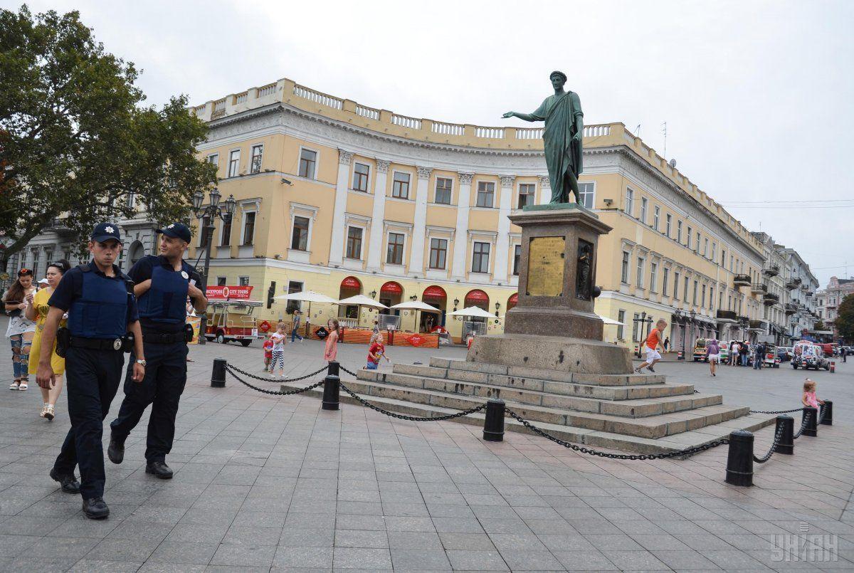 Мер Одеси призупинив дію рішення про повернення вулицям радянських назв