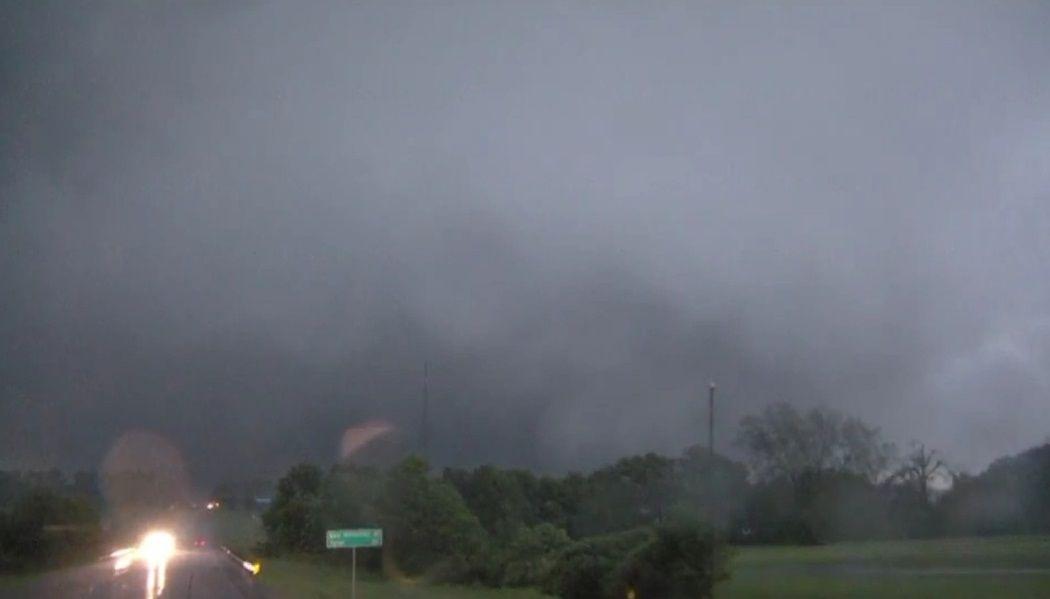 На Техас обрушилися потужні торнадо / Фото twitter.com/CodyLillich