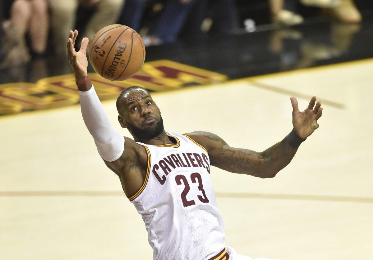 """Леброн Джеймс принес """"Кливленду"""" 39 очков / Reuters"""