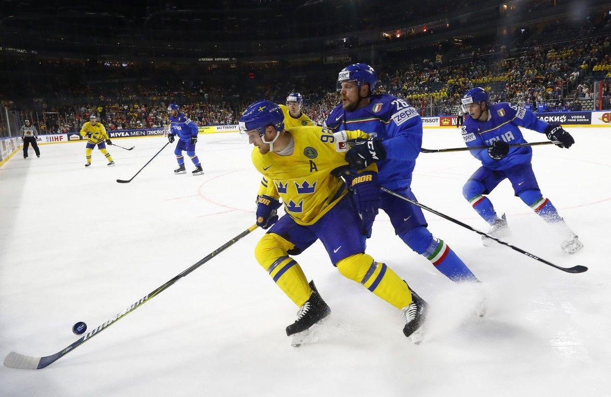 Сборная Швеции разгромила команду Италии / Reuters