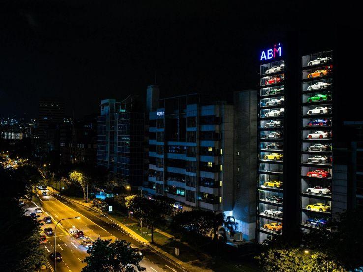 Автомобили расположены на 60 слотах / фото techcrunch.com