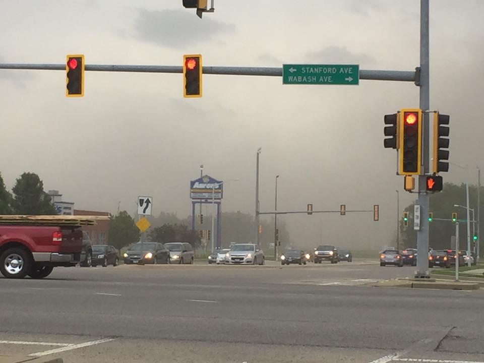 Пыльная буря в Иллинойсе / twitter.com @wics_abc20