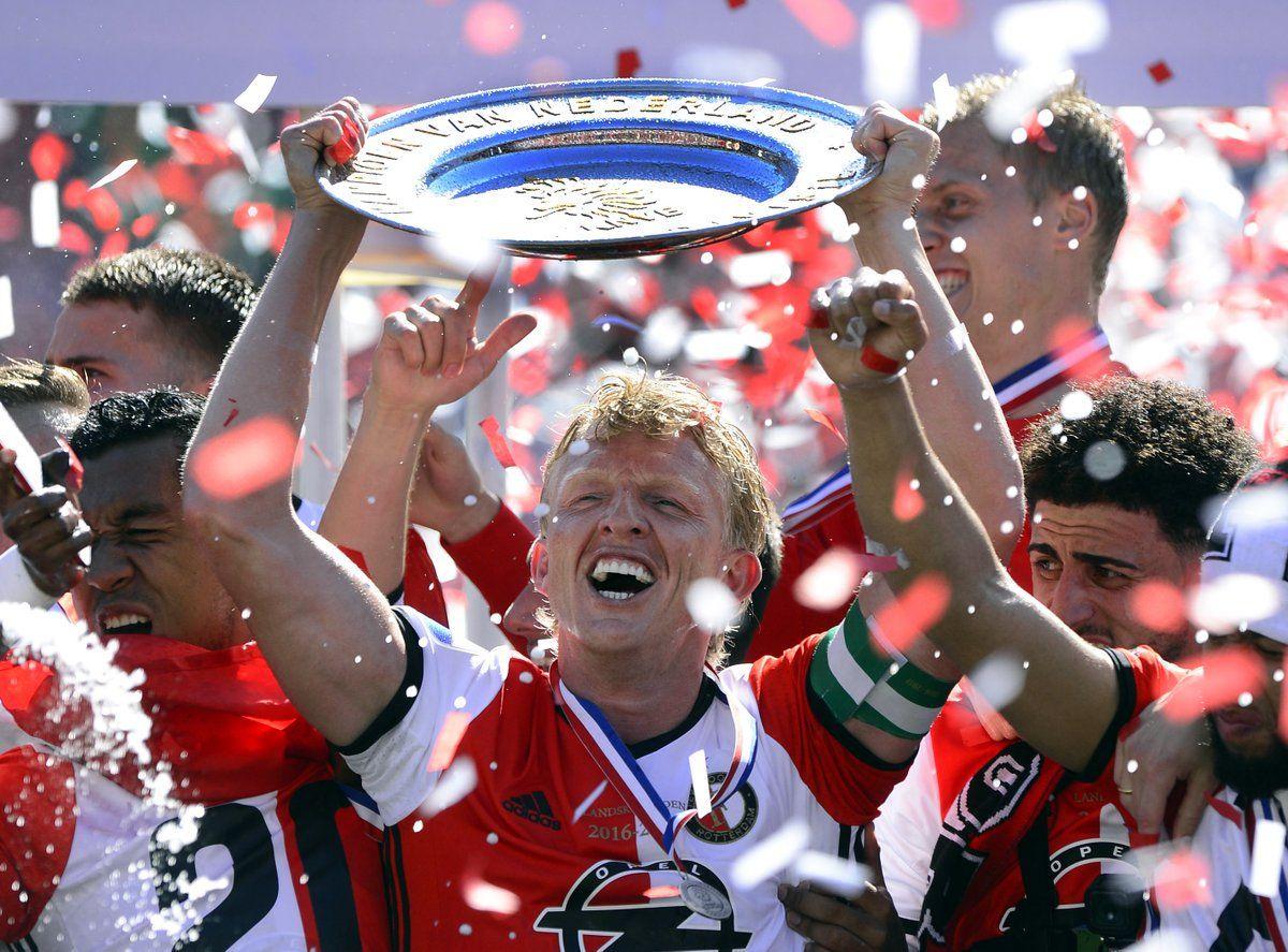 Дирк Кюйт в своем последнем официальном матче забил три гола и стал чемпионом Голландии / twitter.com/Feyenoord_int