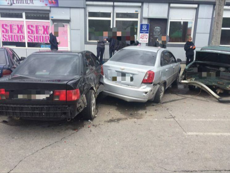 Нарушитель не придерживался безопасного бокового интервала / Фото kh.depo.ua