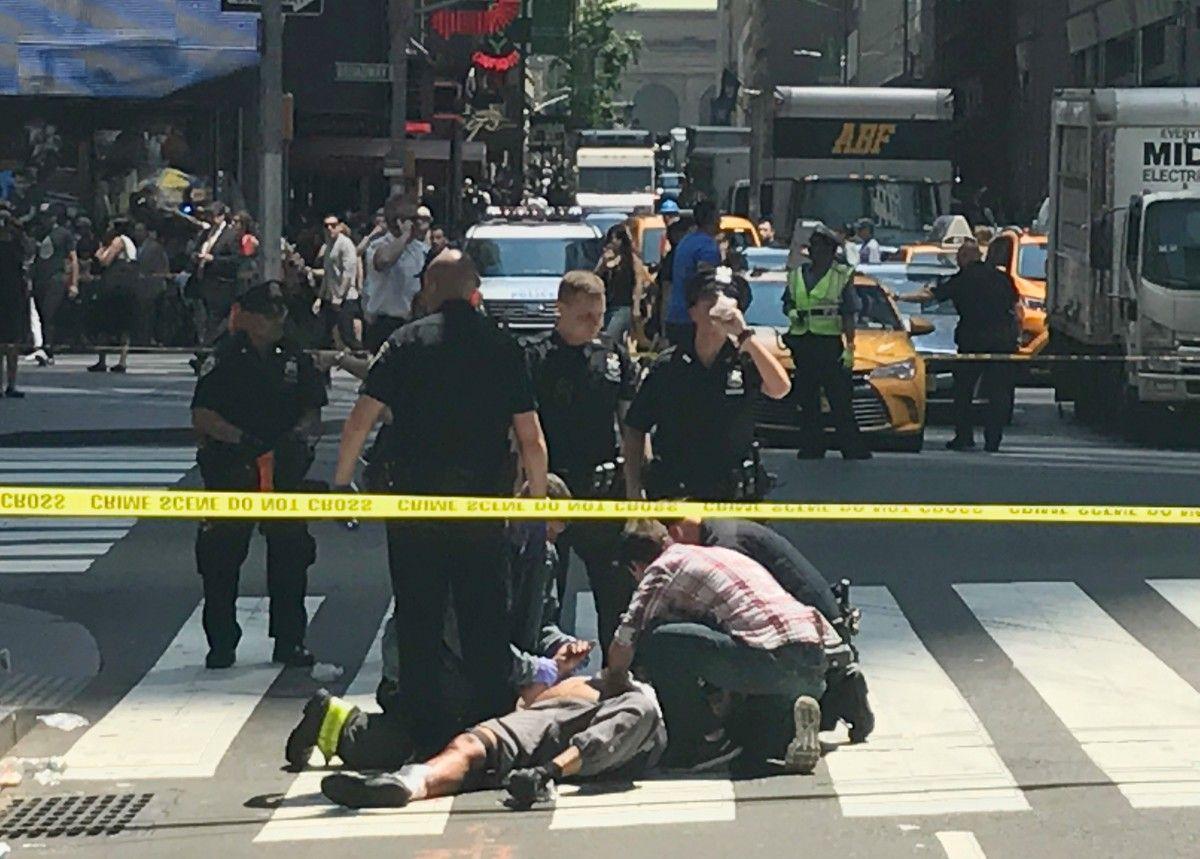 Место ДТП в Нью-Йорке / REUTERS