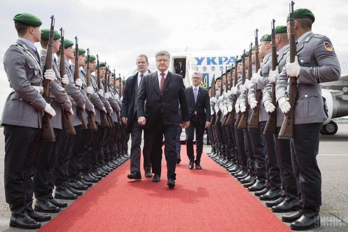 Порошенко: безвиз с ЕС - окончательный разрыв Украины с советской империей
