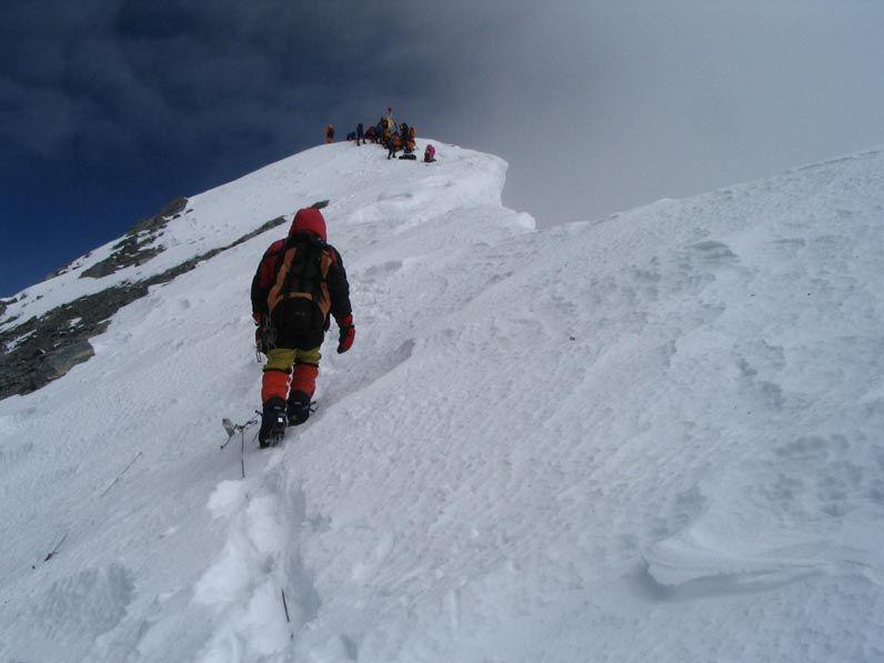 На Эверест вскоре нельзя будет брать, в частности, пластиковые бутылки / фото: Reza Zarei via flickr.com