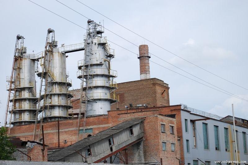 По словам местных жителей, в результате деятельности завода по производству биоэтанола в окружающую среду попадают канцерогенные вещества / Фото volynnews.com