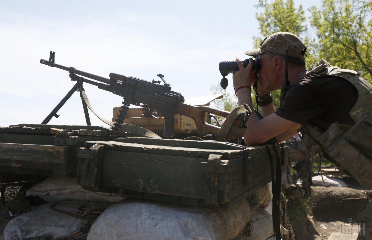 Боевики стреляют по бойцамВСУ/ фото УНИАН