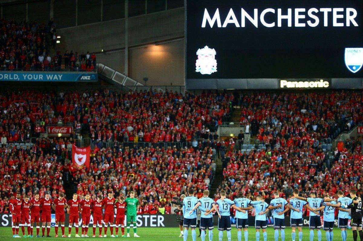 """Память жертв в Манчестере сегодня почтили в Сиднее во время товарищеского матча """"Сидней"""" - """"Ливерпуль"""" / Reuters"""