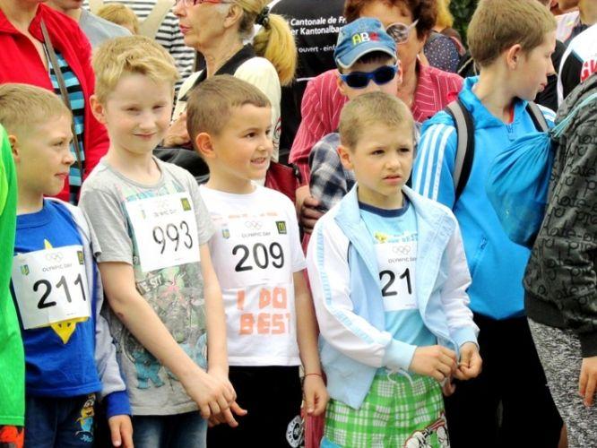 У Житомирі близько 700 осіб взяли участь у змаганнях з бігу у рамках Олімпійського дня