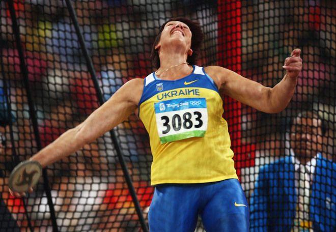 Украинская легкоатлетка стала серебряным призером Олимпиады-2008 из-за дисквалификации соперницы