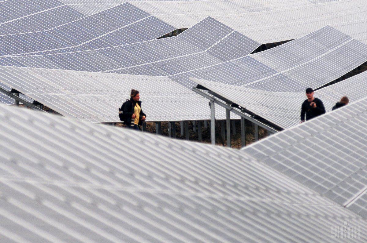 30 солнечных электростанций появятся на Житомирщине / фото УНИАН
