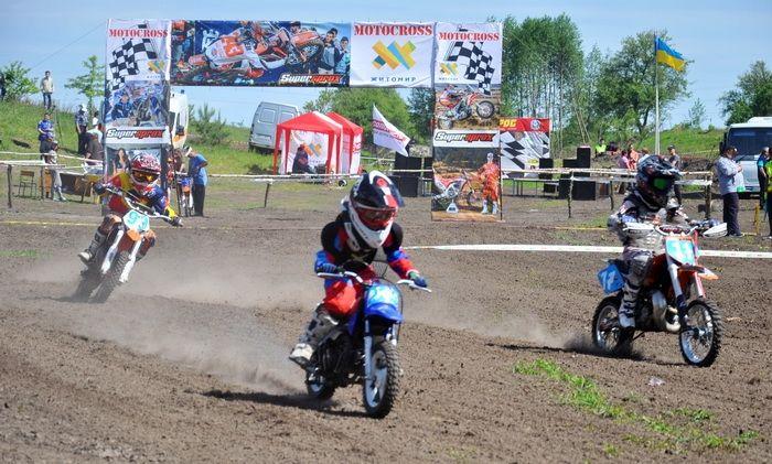 У Житомирі проходять змагання з мотокросу