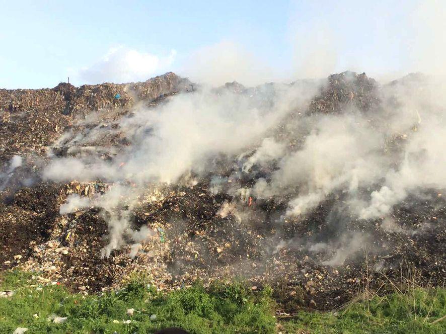 Спалювання відходів несе загрозу екології та здоров'ю людей, вважають екологи / фото ГУ МНС у Полтавській області