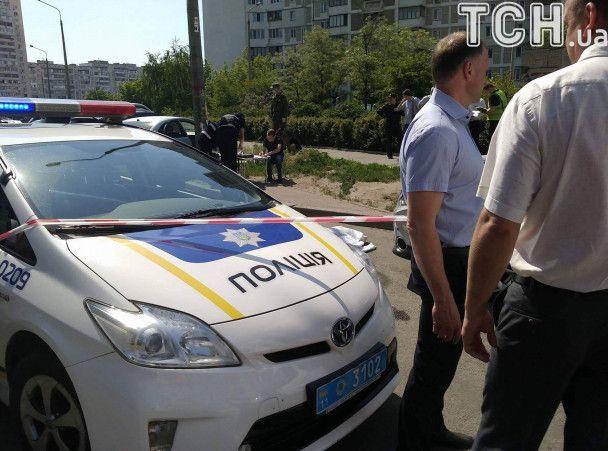 При осмотре тела судмедэксперт обнаружил четыре ранения / фото tsn.ua