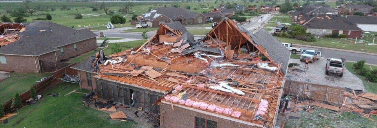 В результате торнадо в США погиб один человек, еще 25 получили травмы (фото)