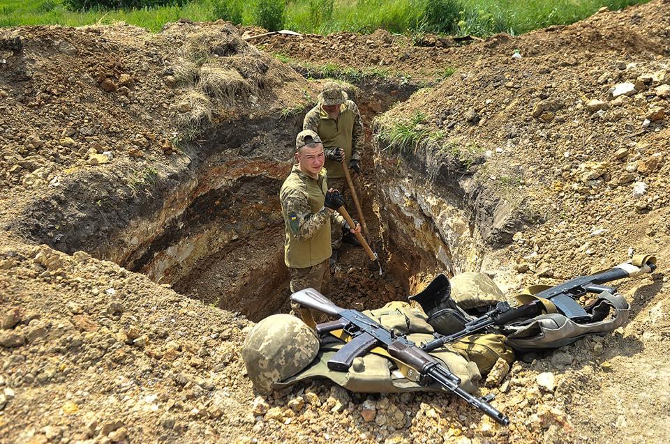 Штаб: Авдіївку противник обстріляв зтанків і 120-мм мінометів