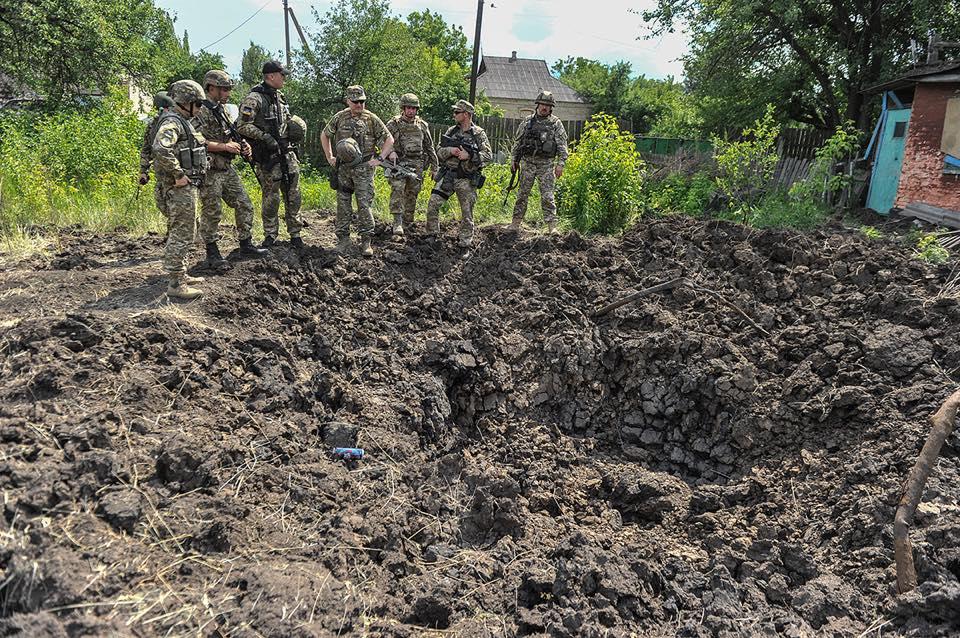 ВСУ выпустили поДНР неменее 200 мин иснарядов засутки
