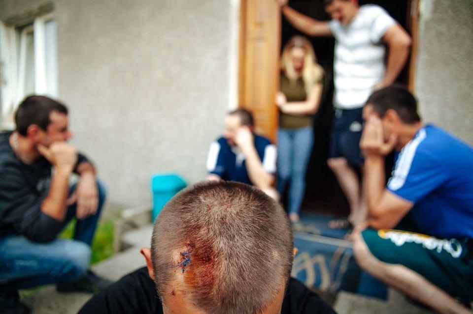 ВПольше пьяные здешние атаковали дом сукраинцами, есть пострадавшие