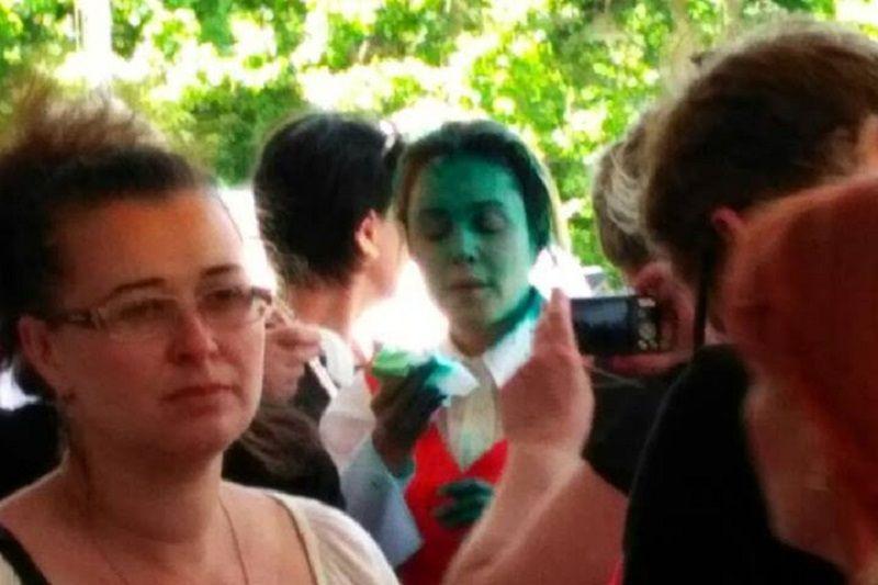 Королевскую снова облили зеленкой / Фото facebook.com/AutomaidanOdesa