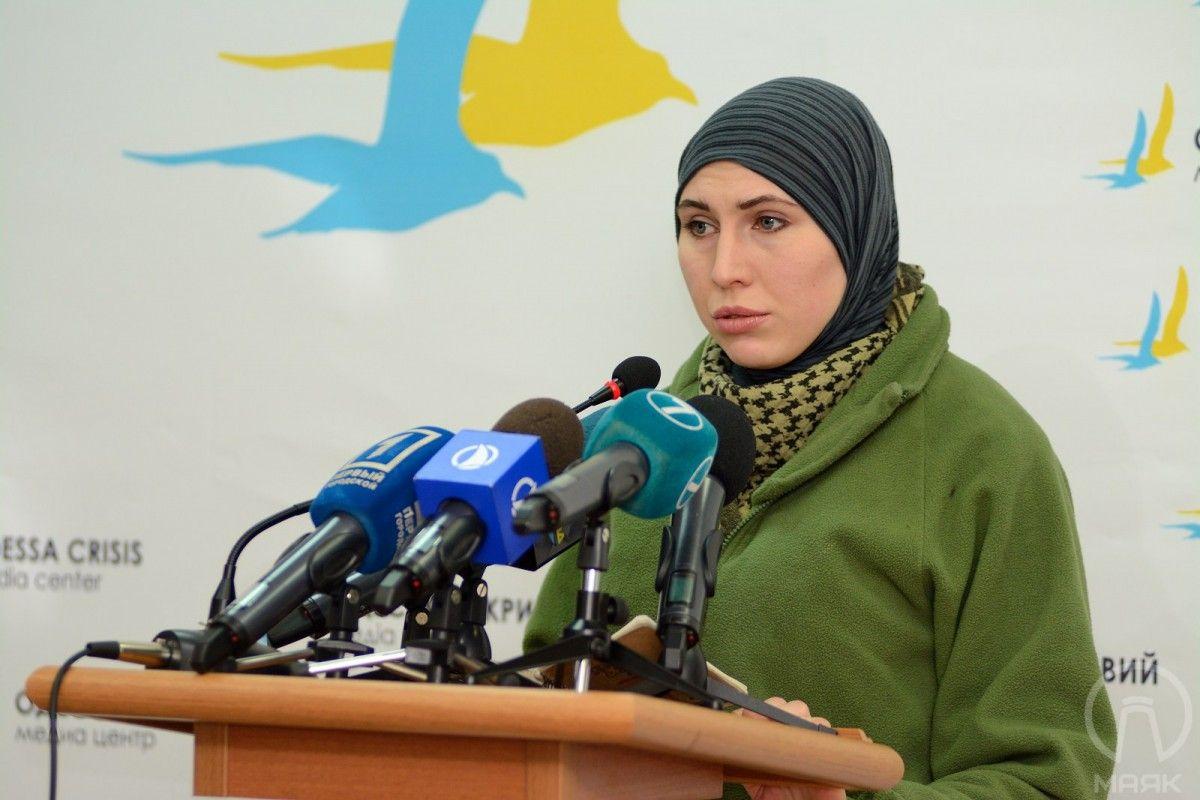 Амина Окуева выхватила пистолет Макарова и открыла ответный огонь по киллеру / mayak.org.ua