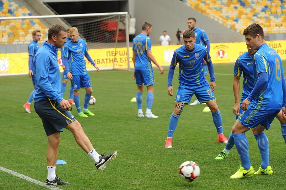 Шевченко розпочав збір з національною командою з відкритого тренування на НСК