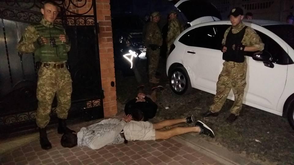 Сина колишнього силовика у Луцьку на авто втікав від поліції та протаранив  два авто правоохоронців 6c4402b7e4994