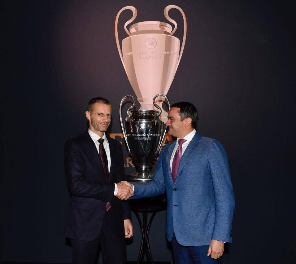 Павелко принял эстафету проведения финала Лиги чемпионов / facebook.com/ffukraine