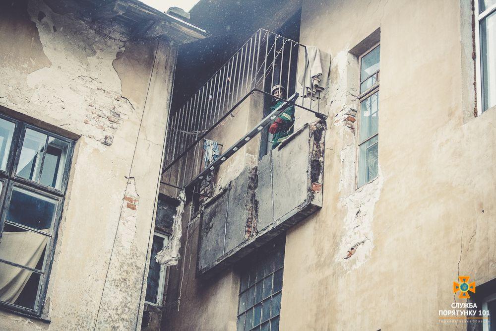 На Тернопільщині обвалився балкон / Держнс