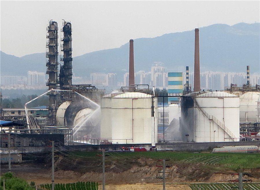 ... На нафтохімічному заводі в Китаї стався вибух f8938f1d7b9b4