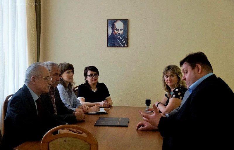 Гундич подписал договор о сотрудничестве с Национальной академией государственного управления / Житомирская ОГА