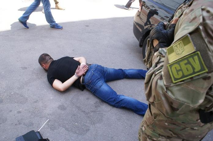 ВЗапорожье задержаны экс-беркутовцы идействующие полицейские, грабившие зажиточных городских жителей - СБУ