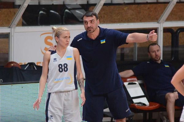 Подопечные Владимира Холопова проиграли в Греции два матча из трех / fbu.ua